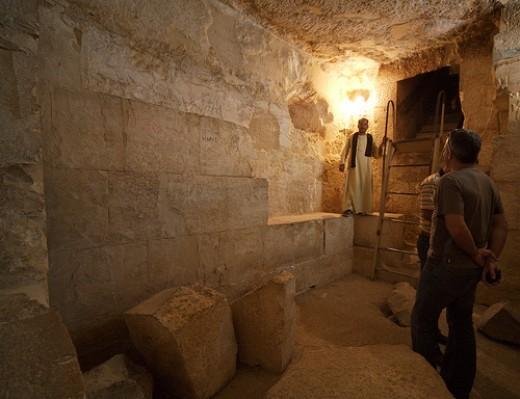 механизм, защищающий гробницу от мародеров