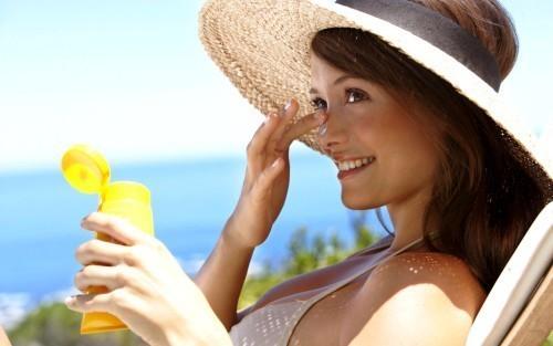 защитить лицо от солнца
