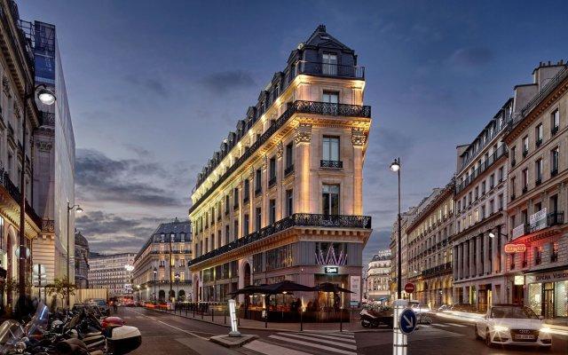 W Paris-Opera