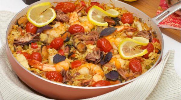 Приготовление паэльи с морепродуктами
