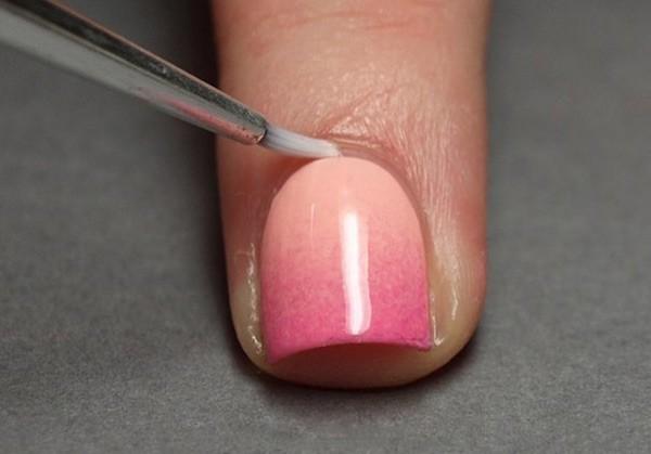 градиент на ногтях кисточкой